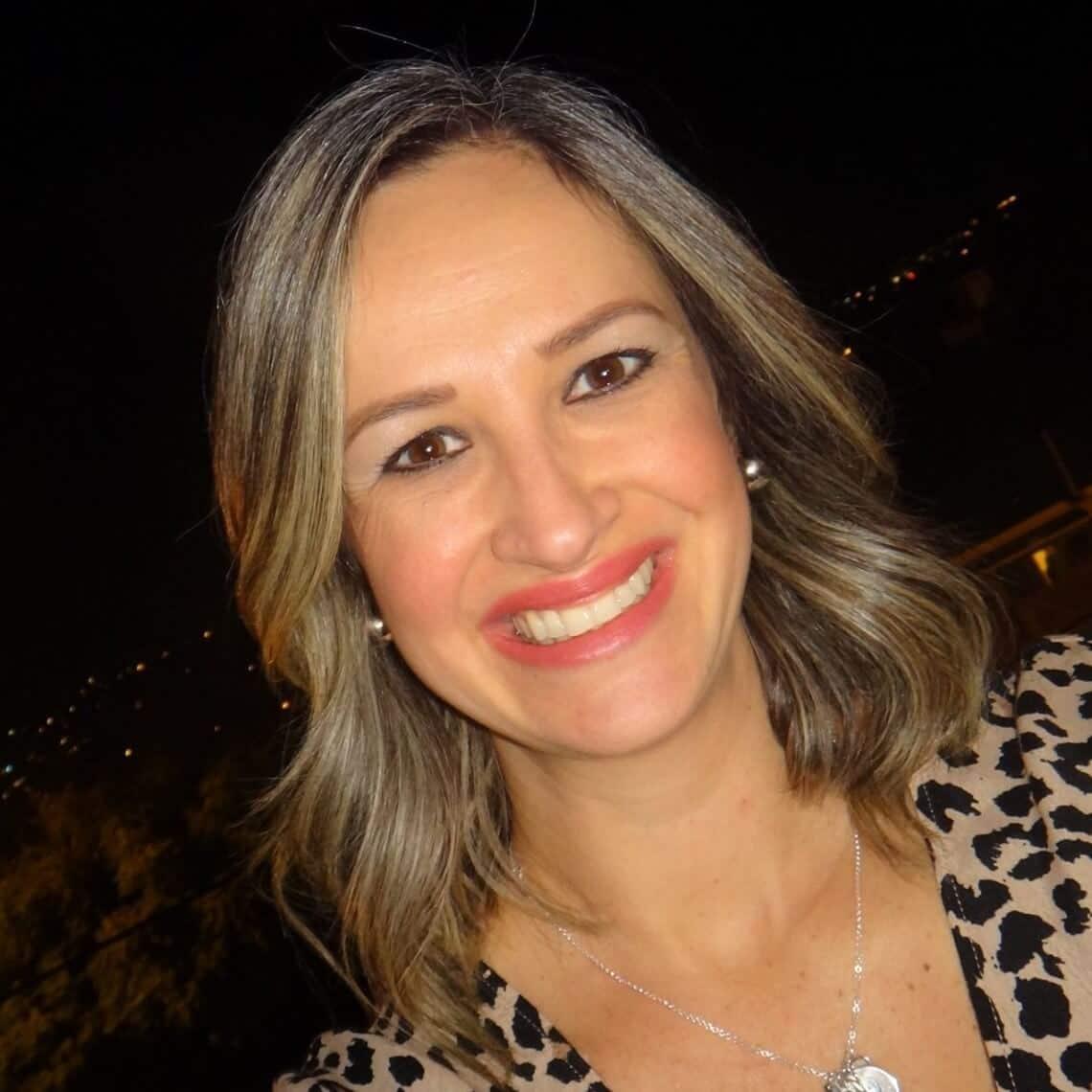 - Juliana Moura De Masi